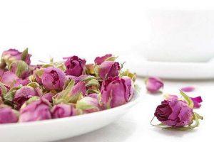 گل انگبین و گلقند با عسل طبیعی